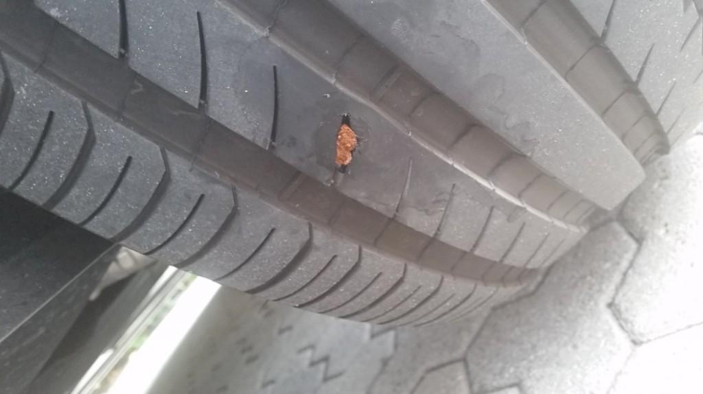 Tesla-Flat-Tire-Repair-4