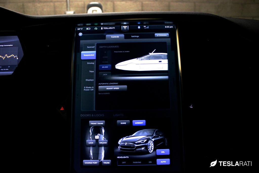 Tesla-Model-S-Easter-Egg-James-Bond-2