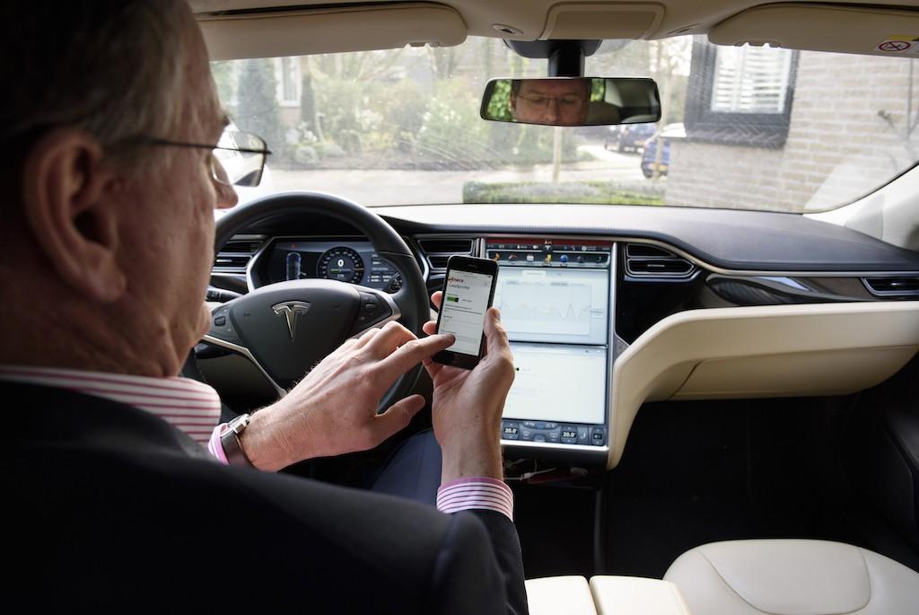 Tesla App Eneco Smart Charging