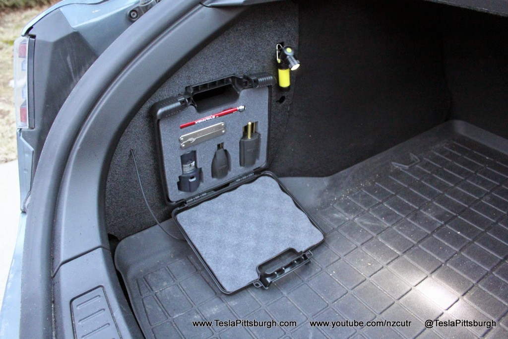 Model-S-Charge-Adapter-Lighting-Case-1
