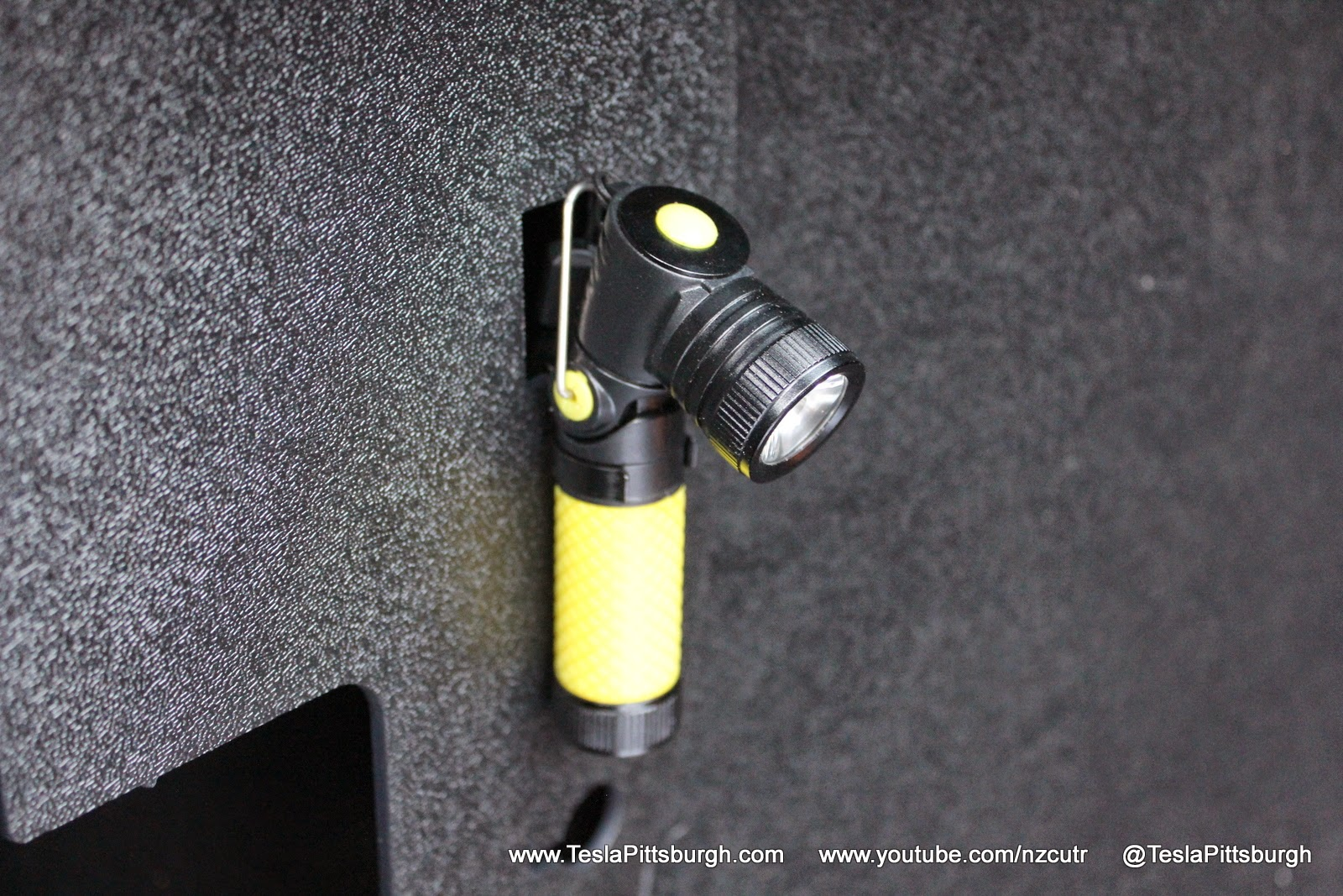 Model-S-Charge-Adapter-Lighting-Case-14