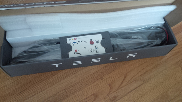 Tesla-Model-S-CHAdeMO-Adapter-Packaging-Unboxed