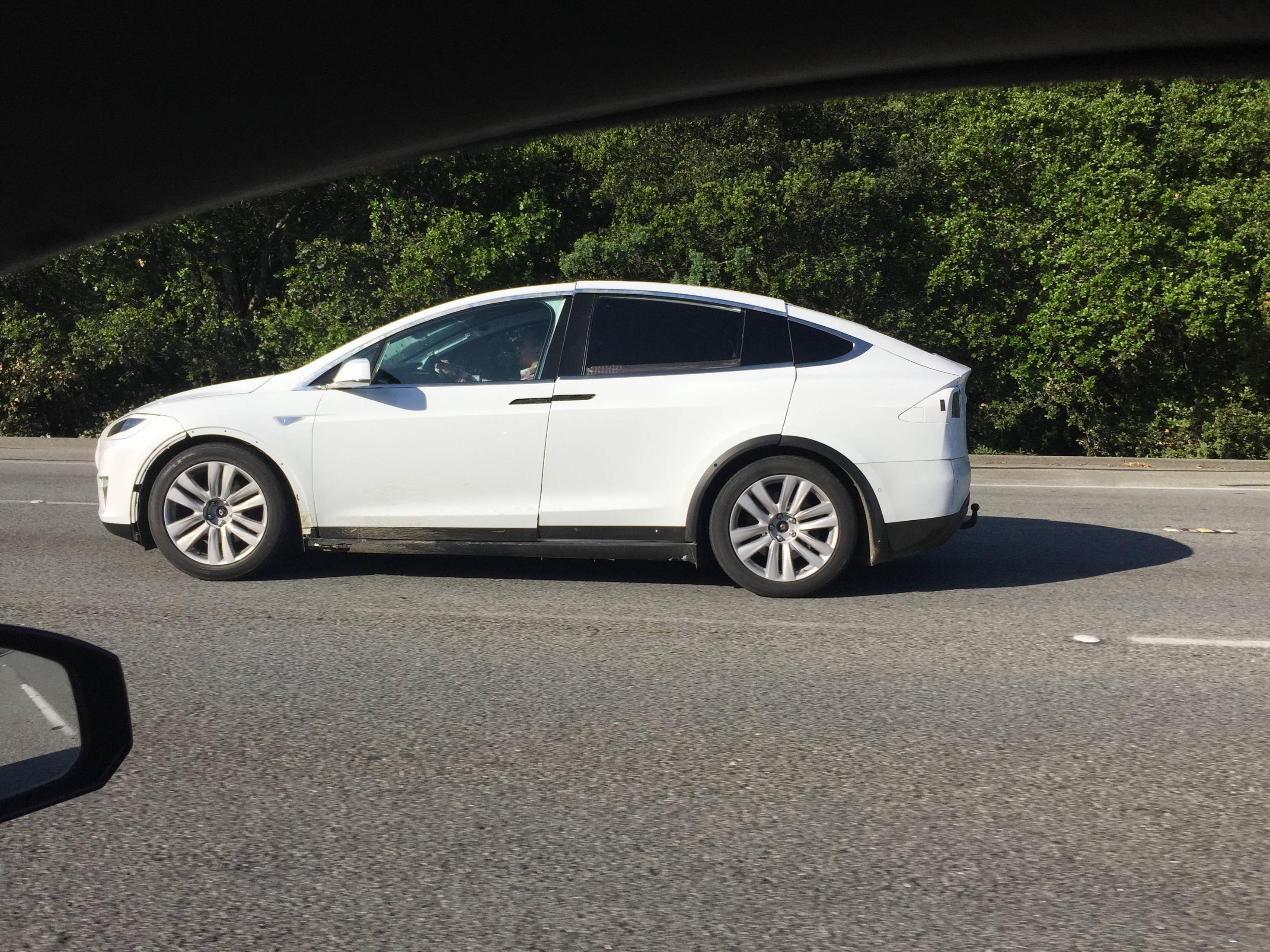 Tesla-Model-X-Sighting-I280