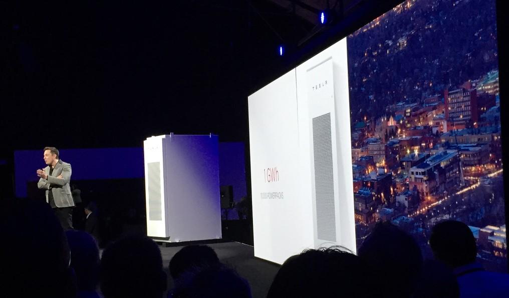 Elon-Musk-PowerPack-Solar-Energy