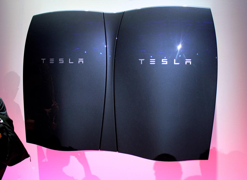 Tesla-Grey-Powerwall-Event