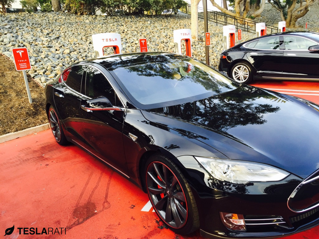 Tesla-Model-S-Wheel-Bands-1