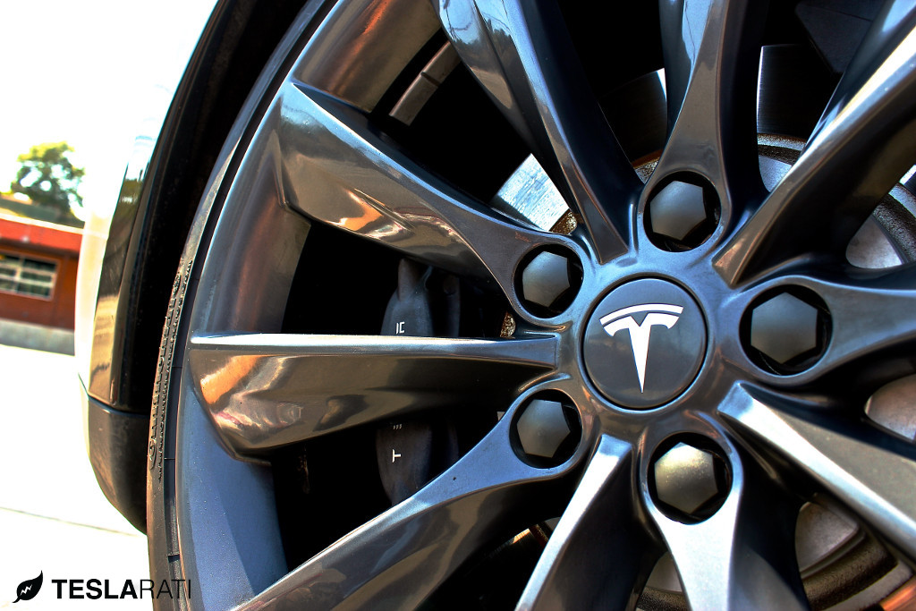 Tesla-Model-S-Wheel-Bands-2