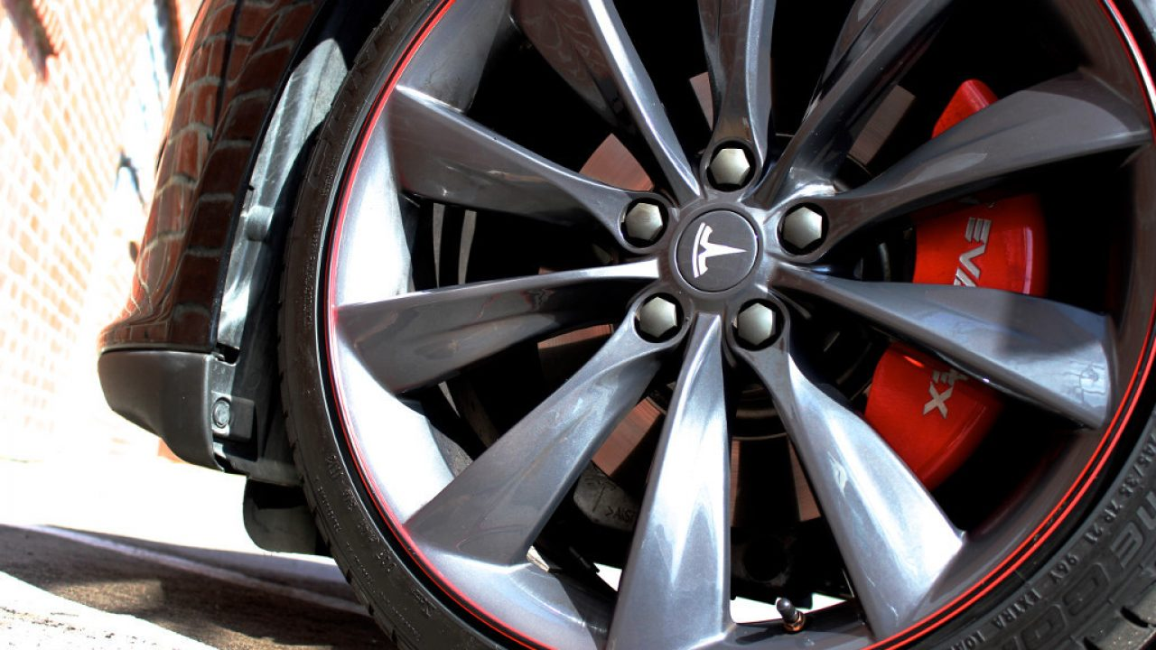 Wheel Bands Review: Tesla Model S Curb Rash Protection