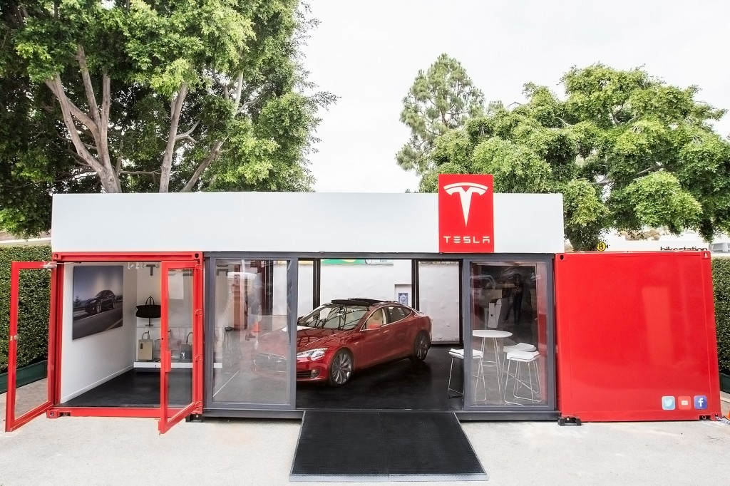 Tesla Motors pop-up store in Santa Barbara, CA