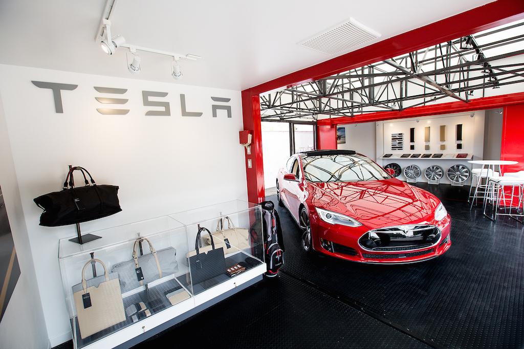 Tesla-Pop-up-Store
