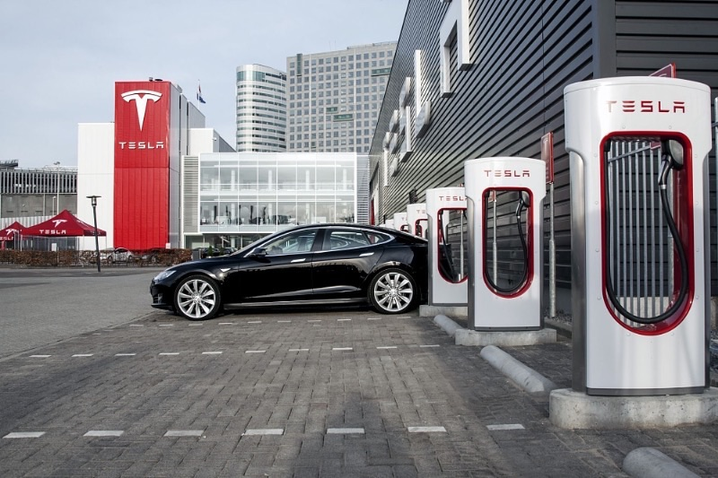 Tesla Taxi Service In Netherlands Wins Fight For Free Unlimited Supercharger Use