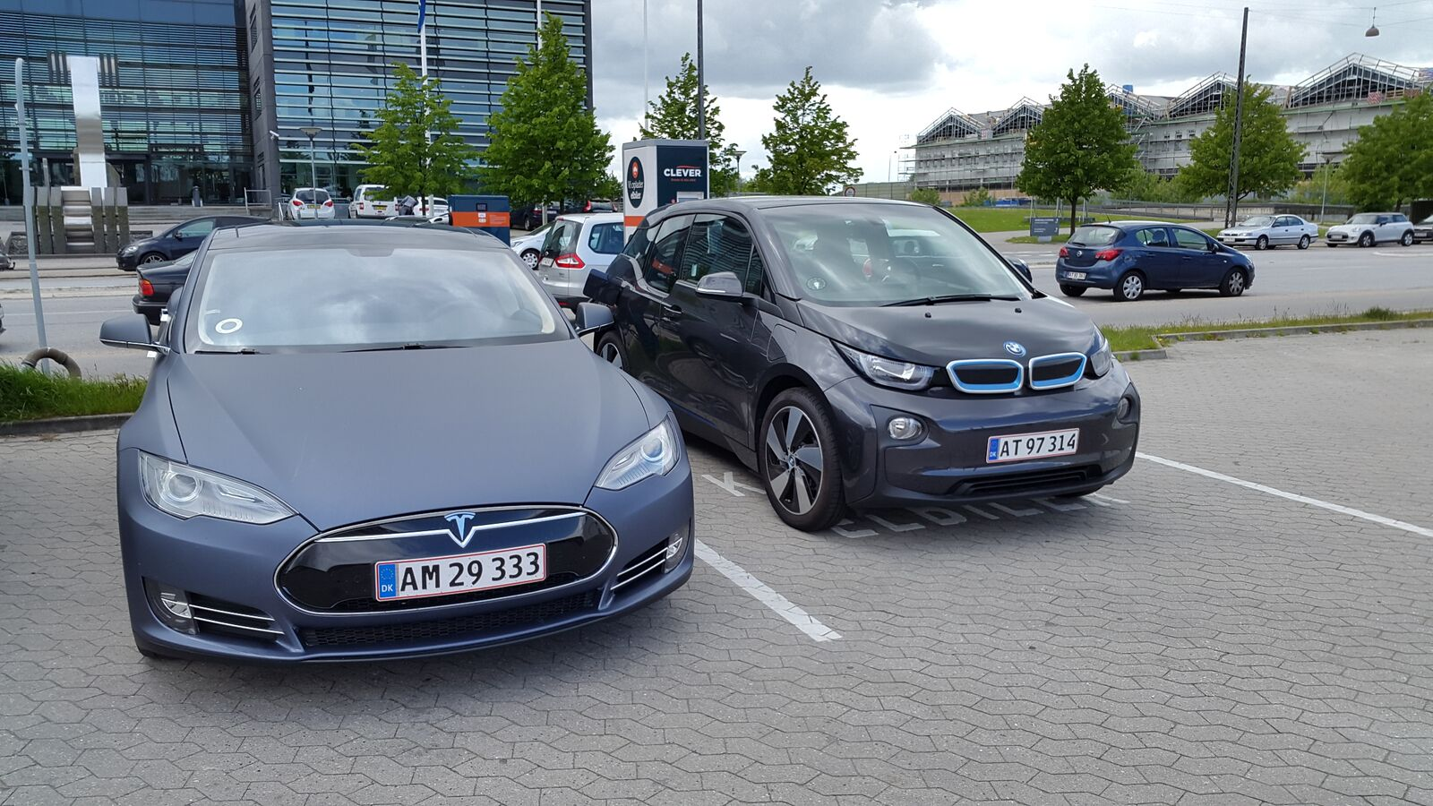 European-Tesla-Model-S-BMW-i3