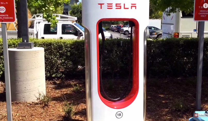 Tesla Liquid-Cooled Supercharger