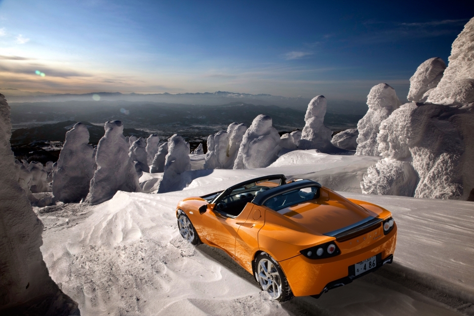 Orange-Tesla-Roadster