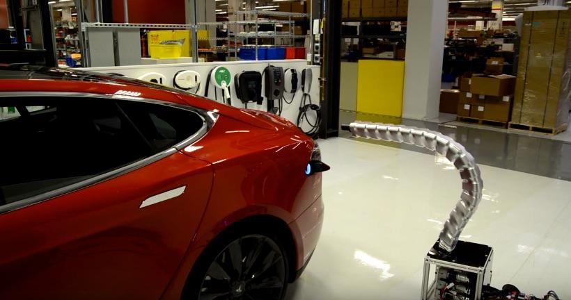 Tesla-Automatic-Charger