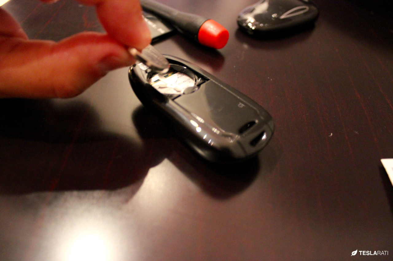 how to change battery in key fob