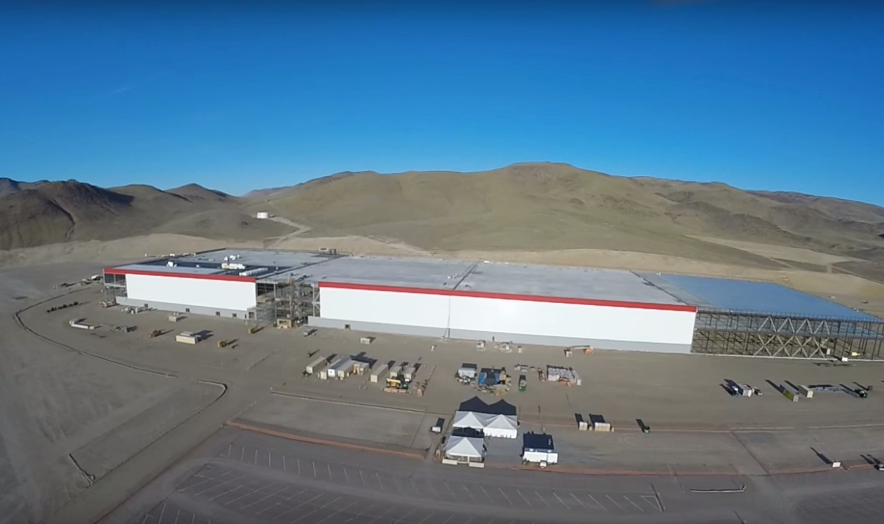 Tesla-Gigafactory-Drone-Video-Sept-2015