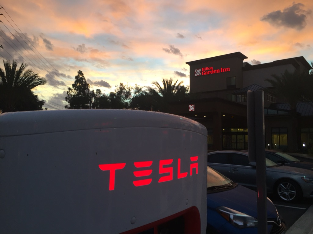 Redondo Beach Supercharger [Source: EVA_2015 via Teslarati App]