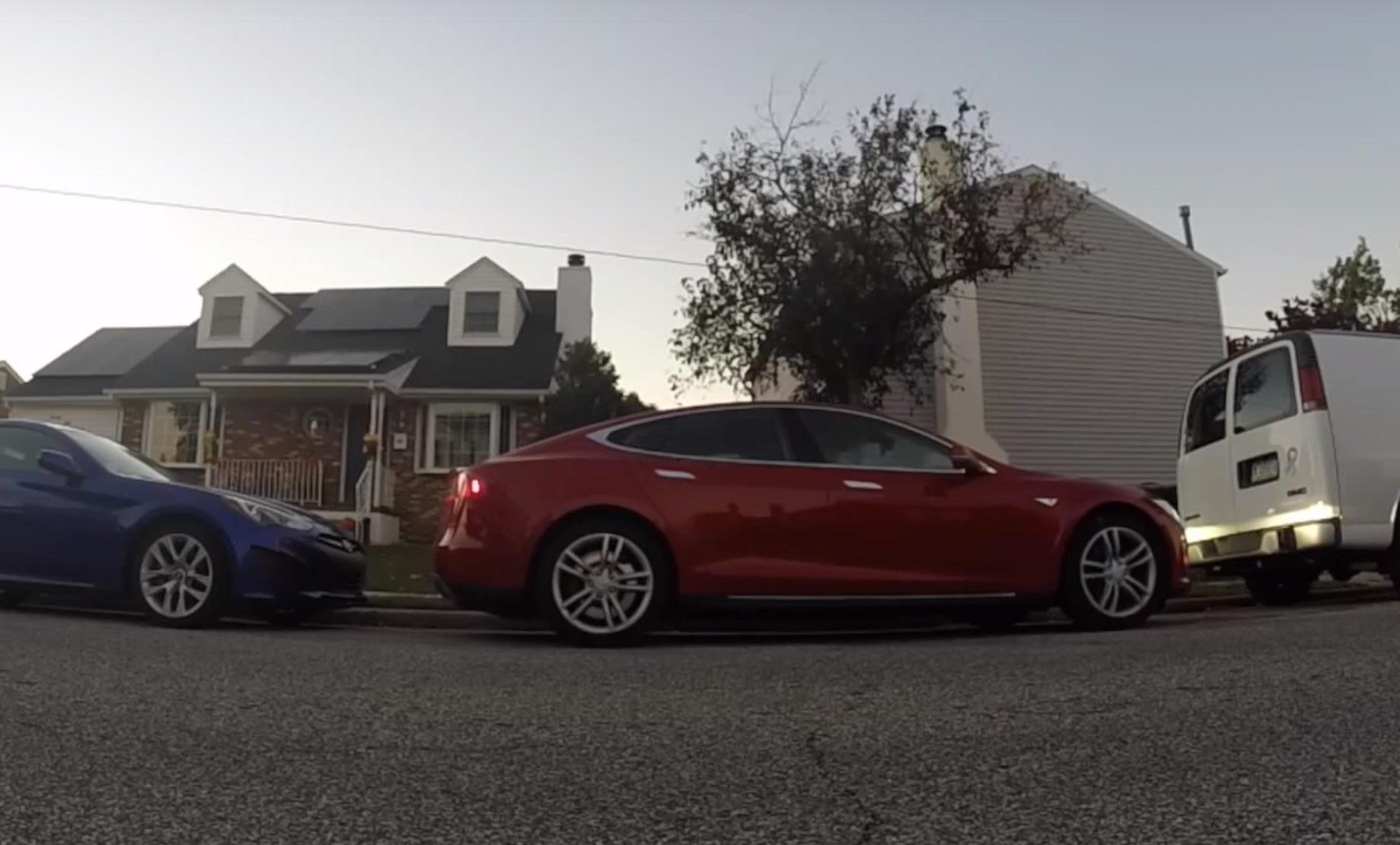 Tesla Autopark will parallel park with precision