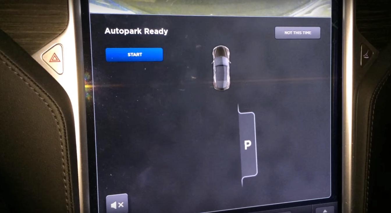Tesla-Model-S-Autopark-Ready-Indicator
