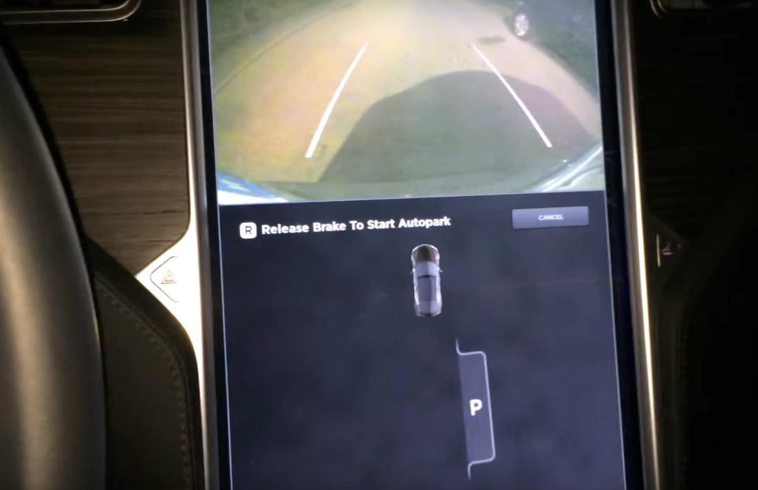 Tesla-Model-S-Autopark-Release-Brake-Indicator