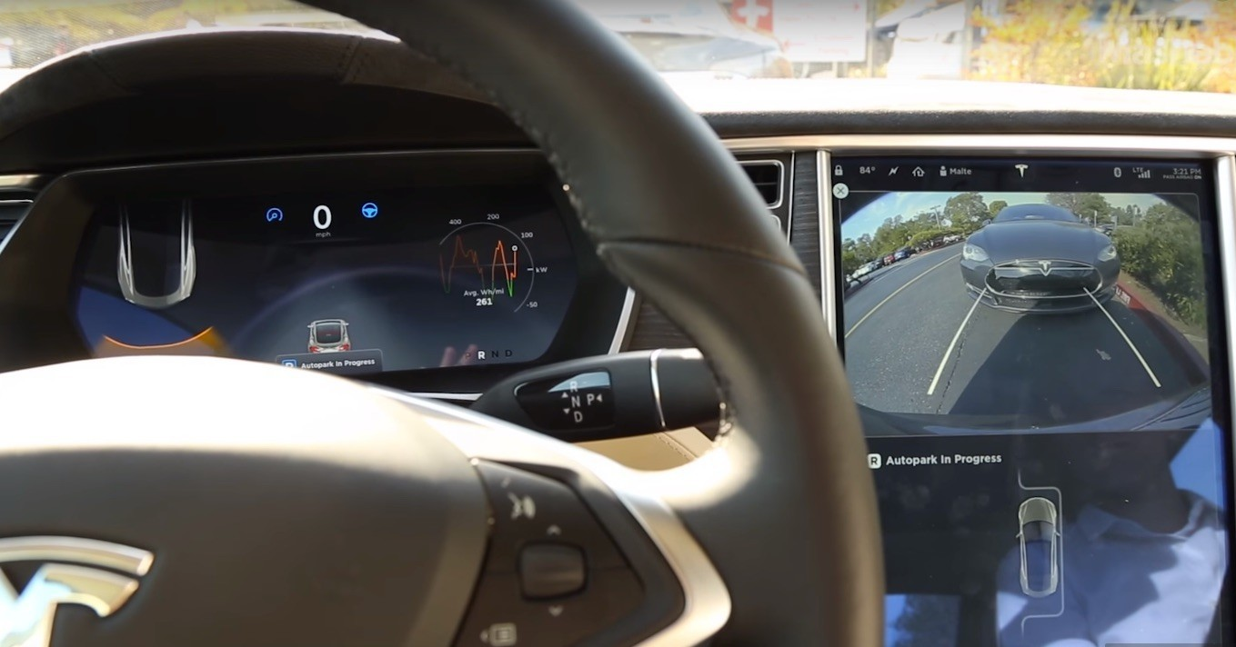 How Does Tesla 'Autopark' Parallel Parking Work?