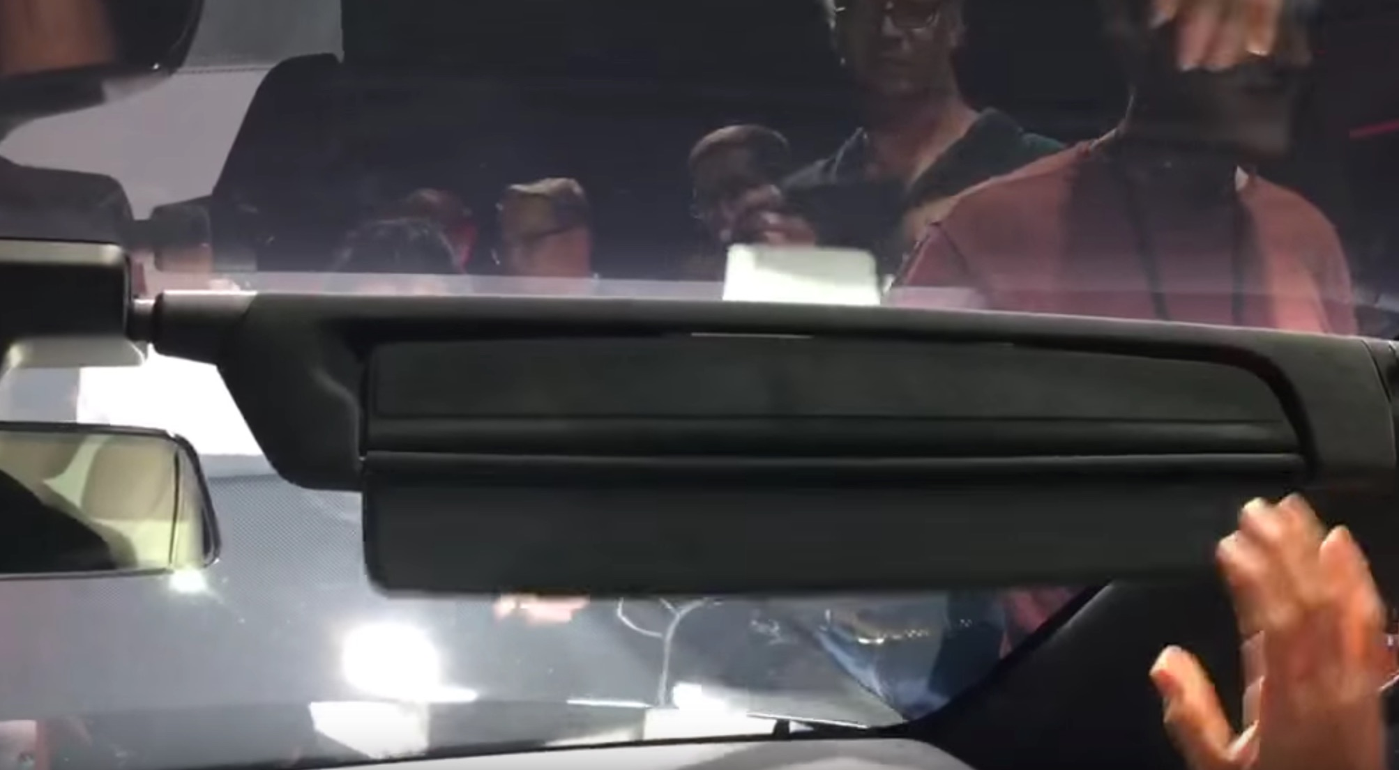 Tesla-Model-X-Sun-Visor-Extension