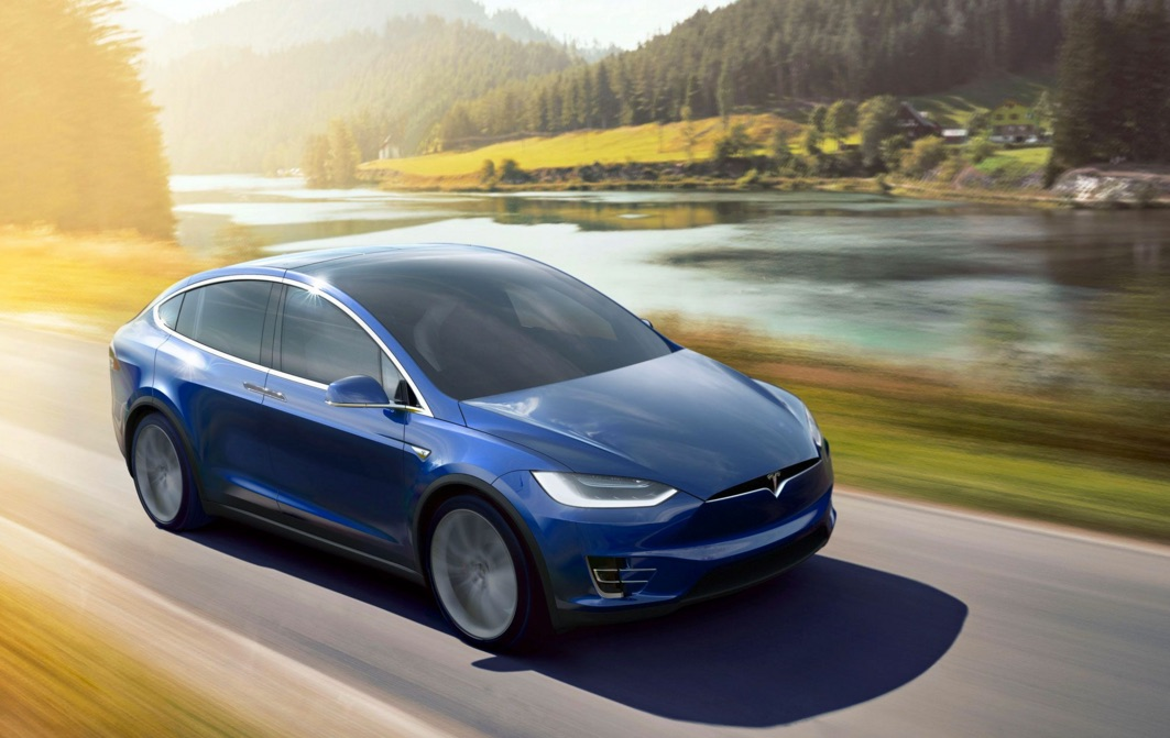 Blue-Tesla-Model-X-Splash