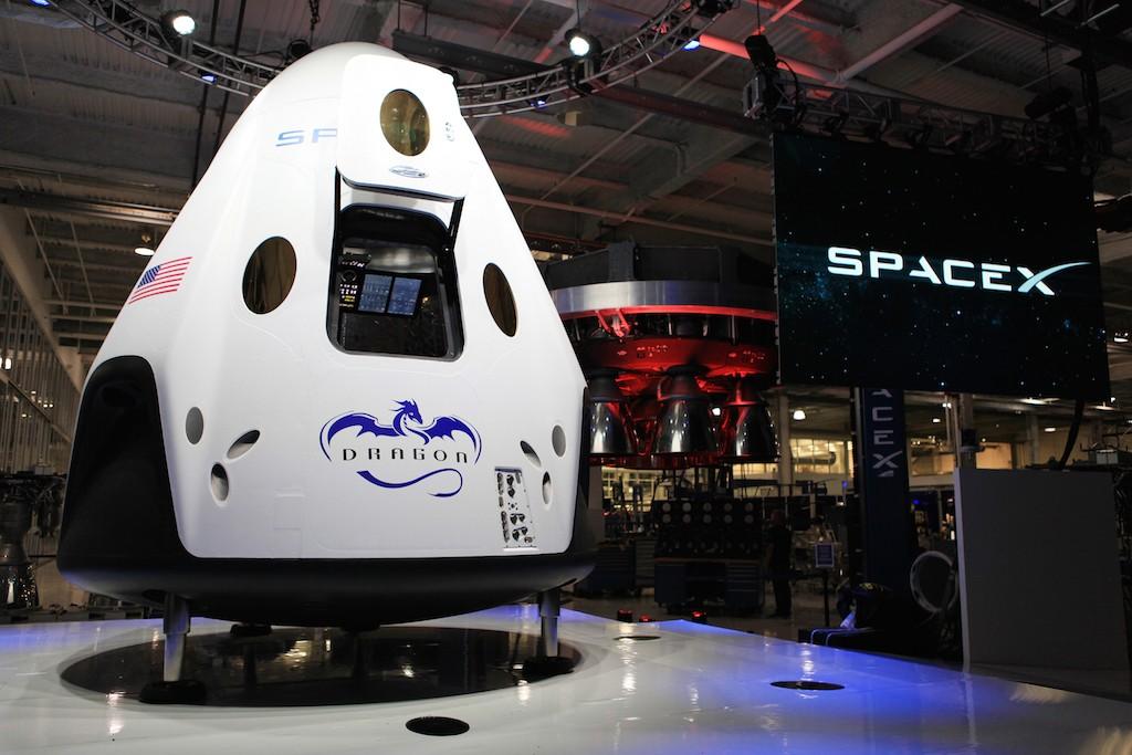 SpaceX-Dragon-V2-Capsule