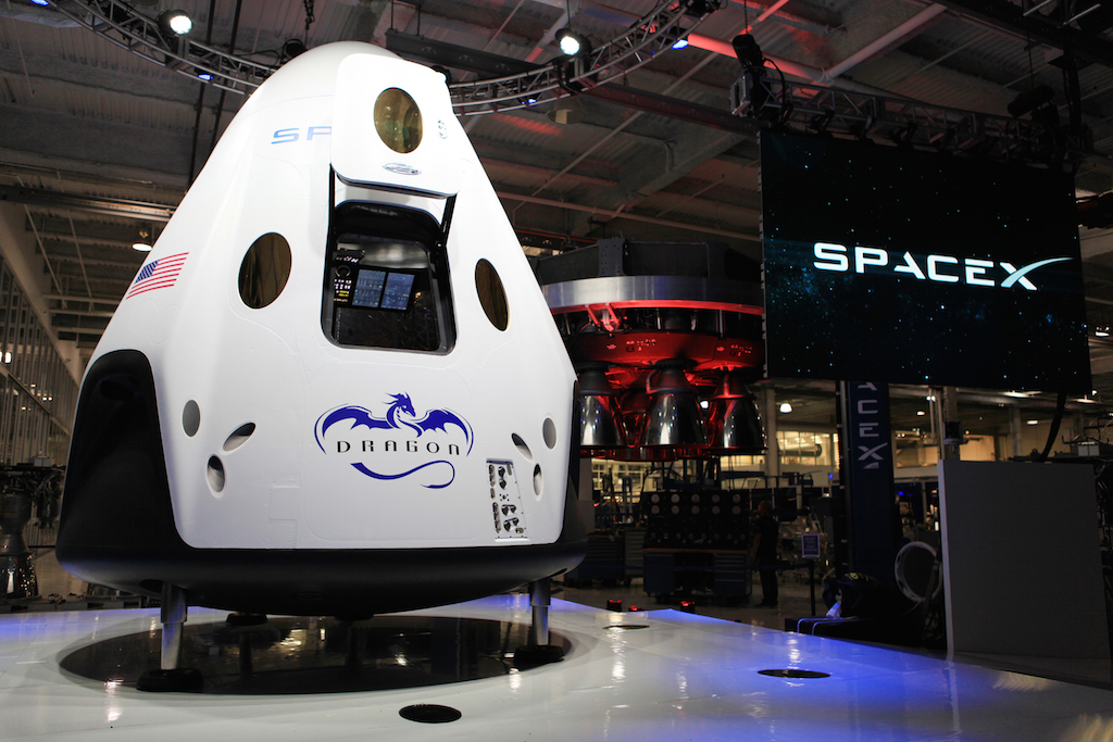 SpaceX-Dragon-V2-Capsule