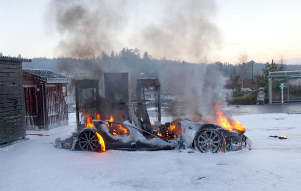 Tesla Model S Burns Down At Supercharger In Norway