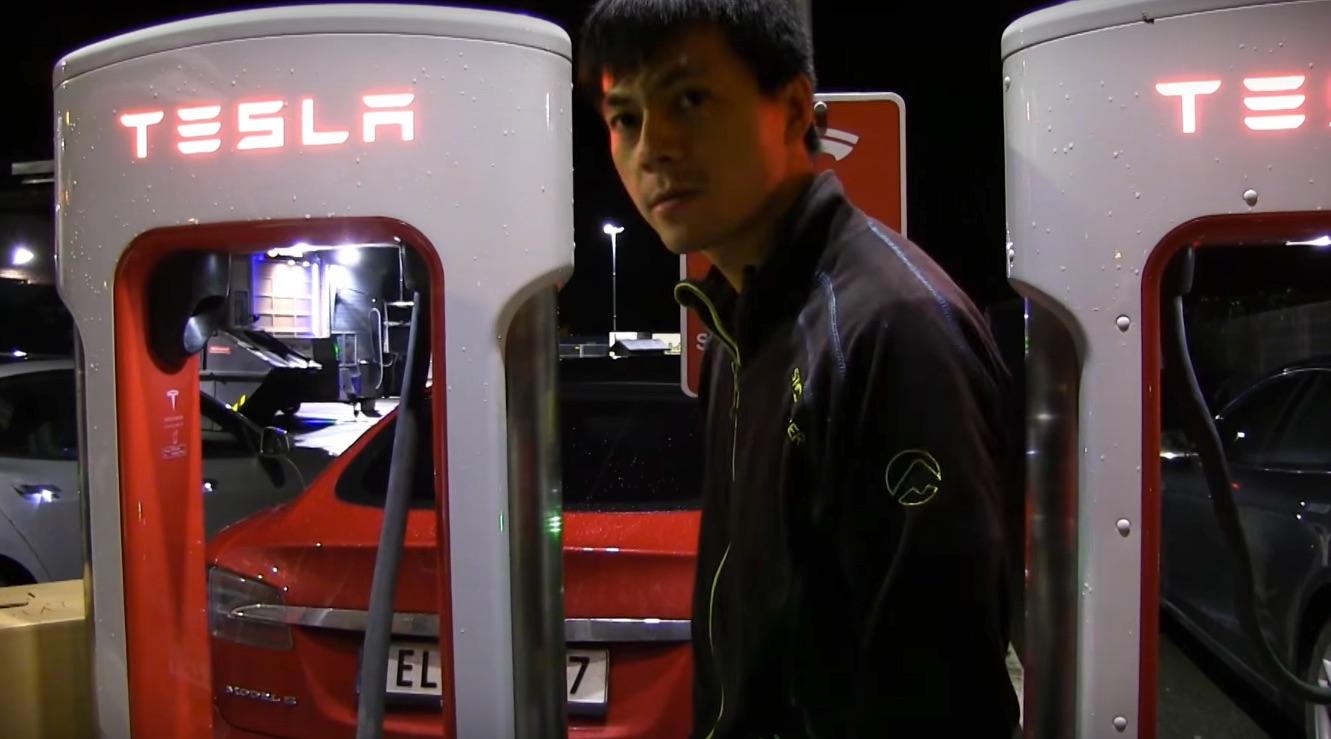 Tesla-Supercharger-Bjorn-Nyand
