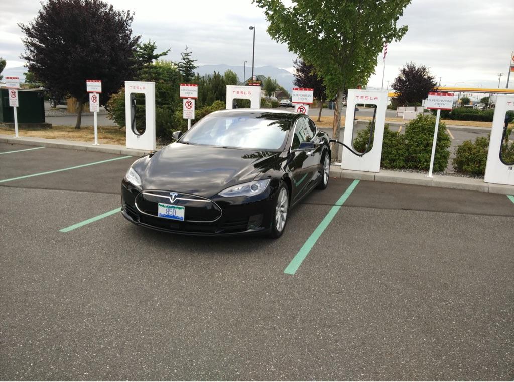 Burlington, WA Supercharger - TESLARATI com