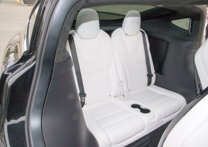 Model-X-3rd-Row-Seat-Cupholders