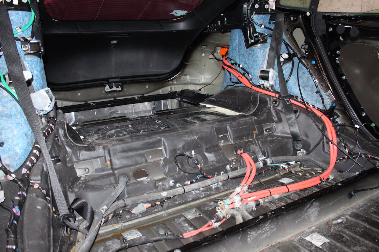 Repairing A Salvage Tesla Model S Due To Flood Damage Troubleshooting Electrical Motor Control Circuits Tmc The Power Hub Switch For Main Battery