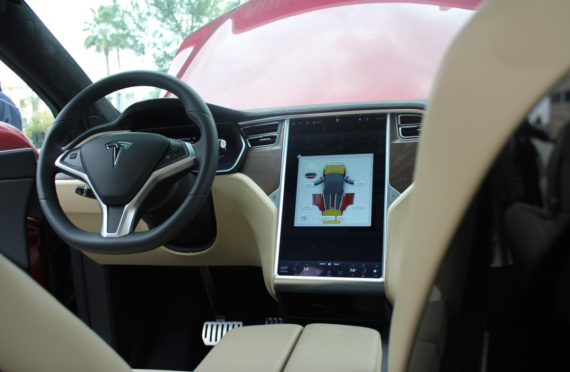 model x falcon wing doors may attract model 3 buyers. Black Bedroom Furniture Sets. Home Design Ideas