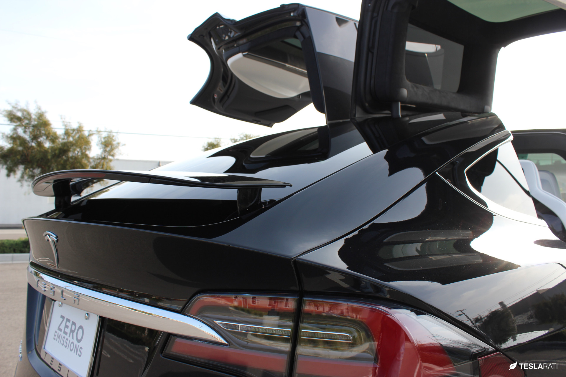 Model X Active Spoiler and Falcon Wing Doors