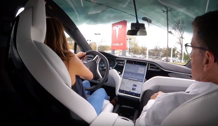 Test driving a Model X P90D in Atlanta, GA [Source: Landon & Liam Toys & Travel via YouTube]