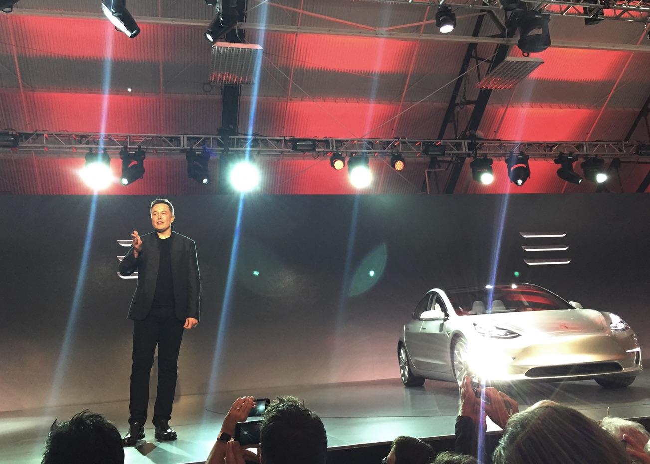 Elon Musk presents the Model 3 at Hawthorne, CA