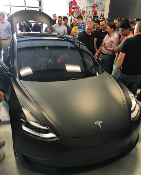 Matte-Black-Model-3-Tesla-Fremont-Factory-Showroom
