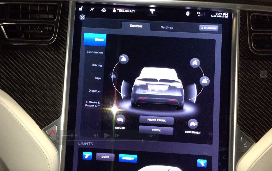 Tesla firmware 7.1 provides an 'Umbrella Mode' for the falcon wing door