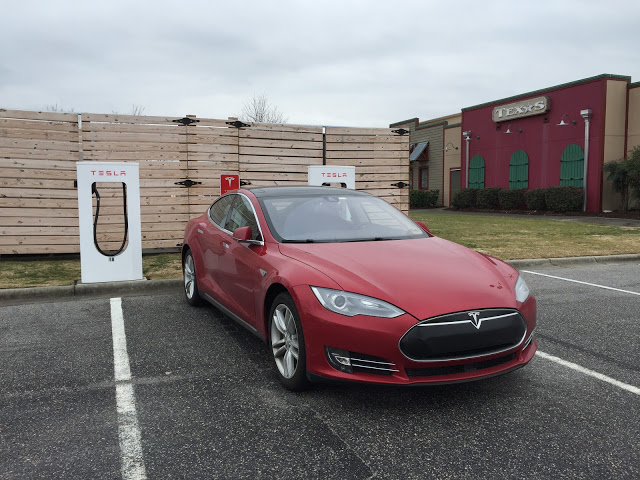 Red-Tesla-Model-S-Supercharger