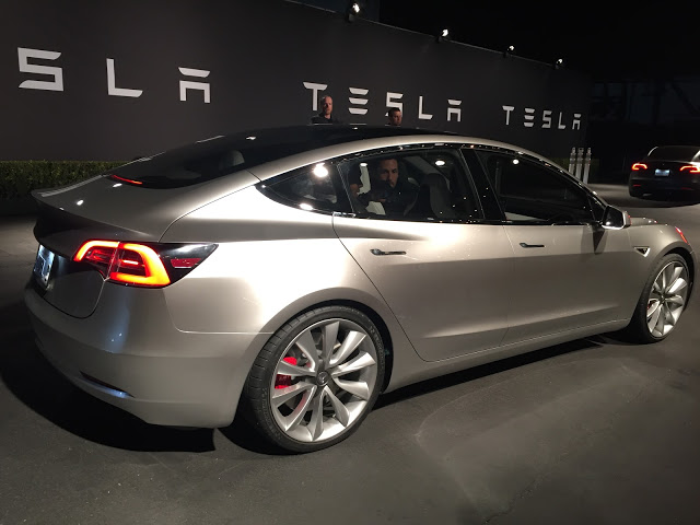 Silver-Tesla-Model-3-Event-Test-Ride