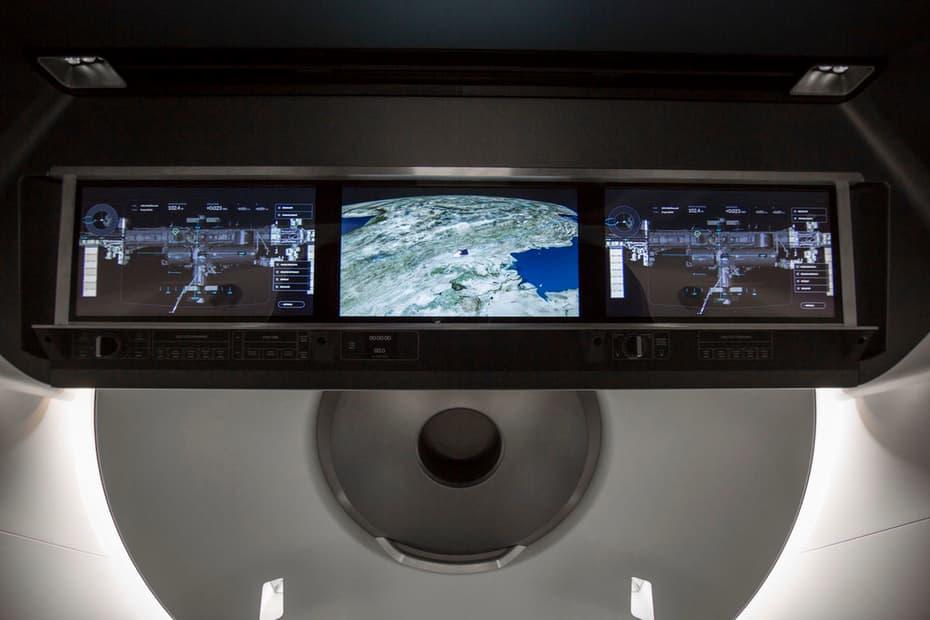 SpaceX-Crew-Dragon-Touchscreen
