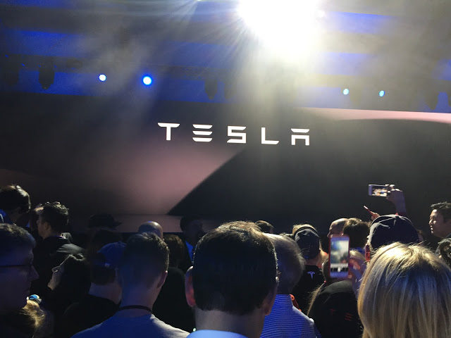 Tesla-Logo-Model-3-Event-Hawthorne