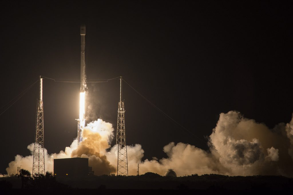SpaceX-Falcon-9-jcsat_launch