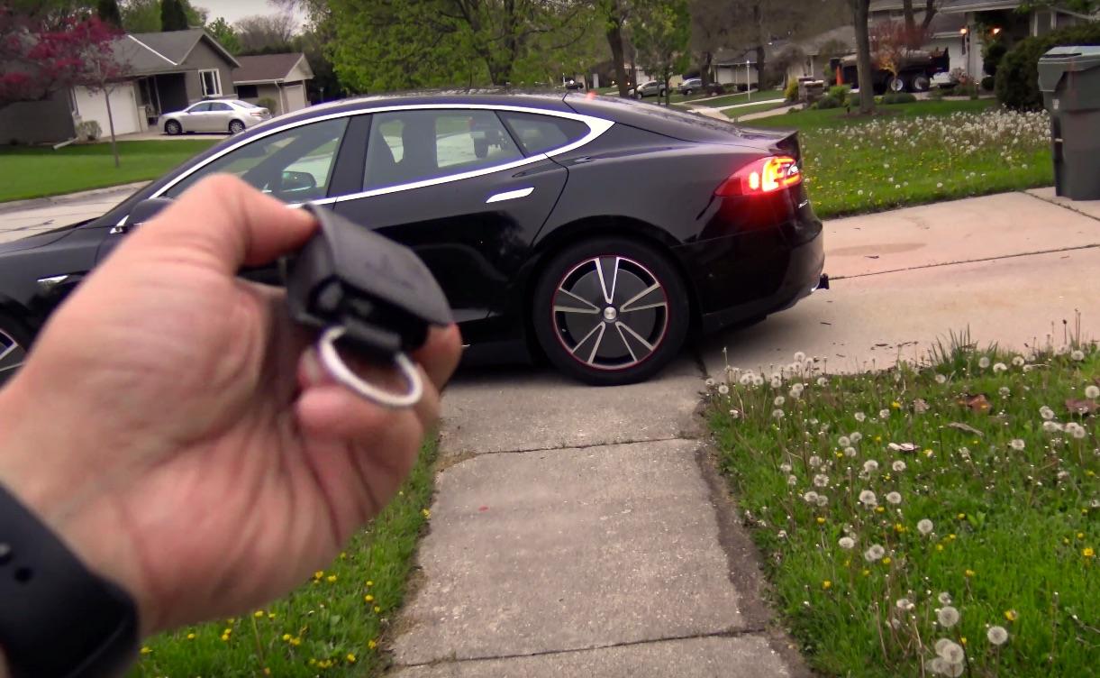 Tesla Summon triggered with key fob