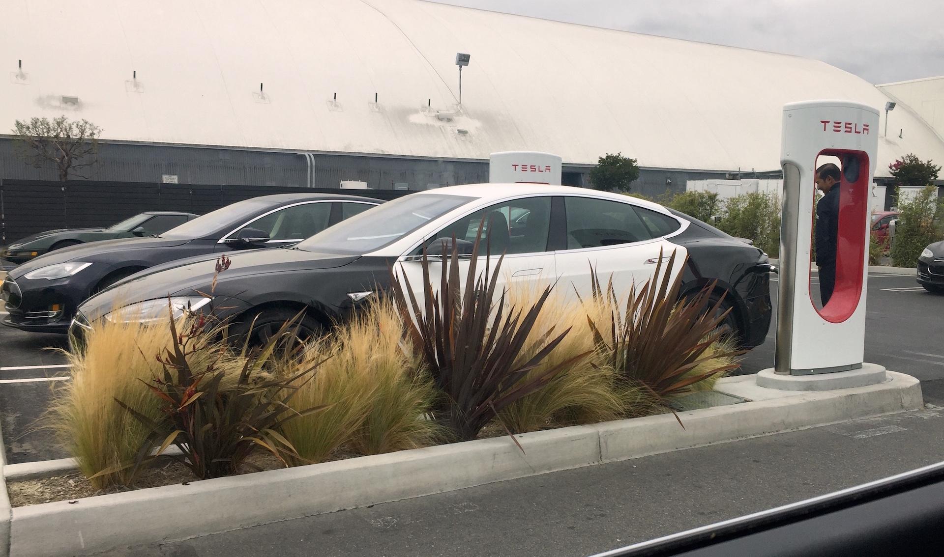 LAPD Model S spotted Supercharging at Tesla Design Center