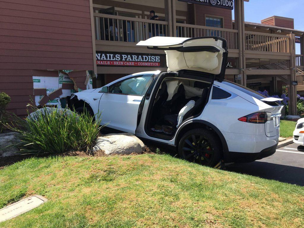Model X crash 1
