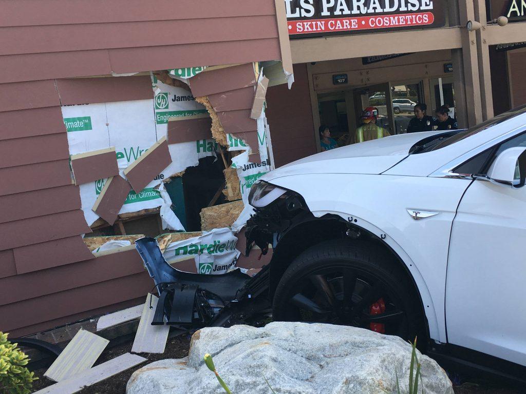 Model X crash 2